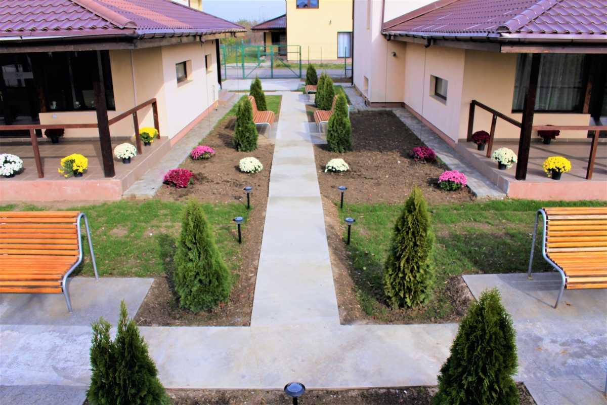 Camin de batrani langa Bucuresti